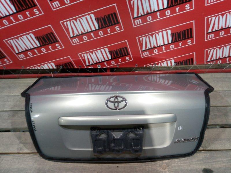 Крышка багажника Toyota Avensis AZT250 1AZ-FSE 2003 задняя золото