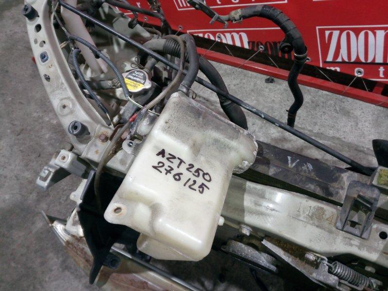 Бачок расширительный Toyota Avensis AZT250 1AZ-FSE 2003 передний