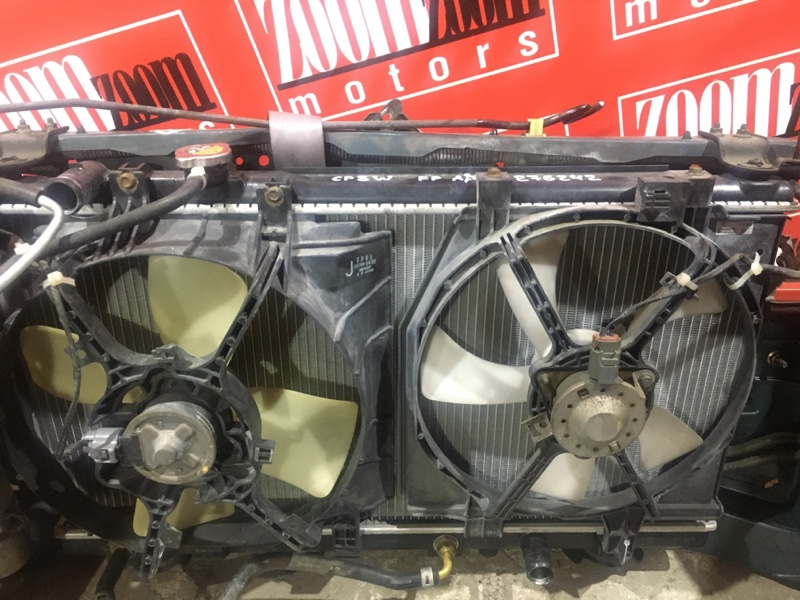 Радиатор двигателя Mazda Premacy CP8W FP-DE 1998 передний