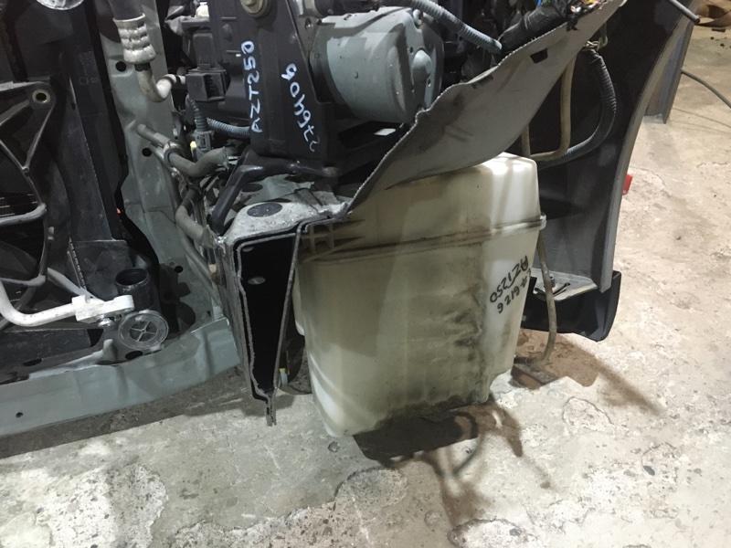 Бачок омывателя Toyota Avensis AZT250 1AZ-FSE 2003 передний