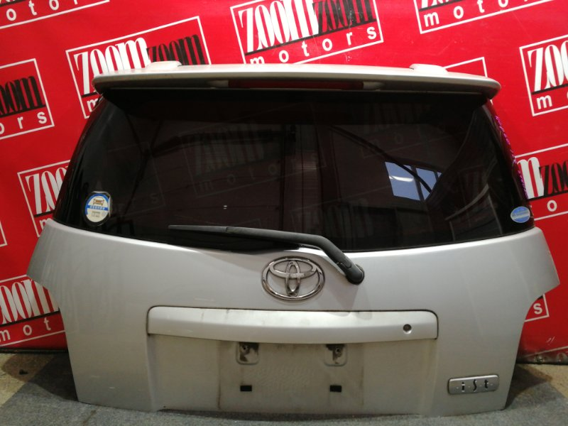 Дверь задняя багажника Toyota Ist NCP60 2NZ-FE 2002 серебро