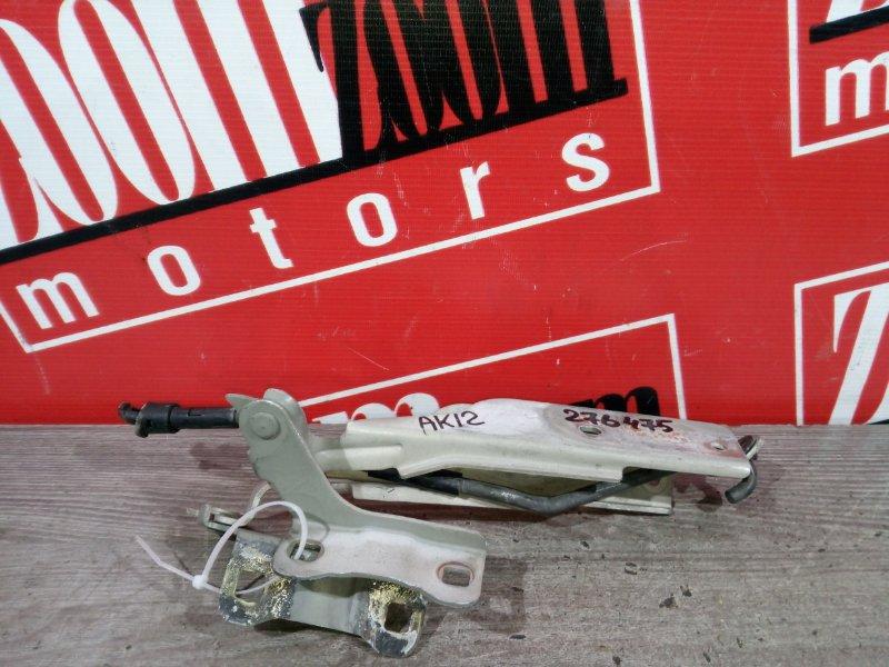 Кронштейн капота Nissan March AK12 CR12DE 2002 передний