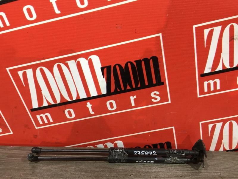 Амортизатор багажника Toyota Passo Sette M502E 3SZ-VE 2008 задний