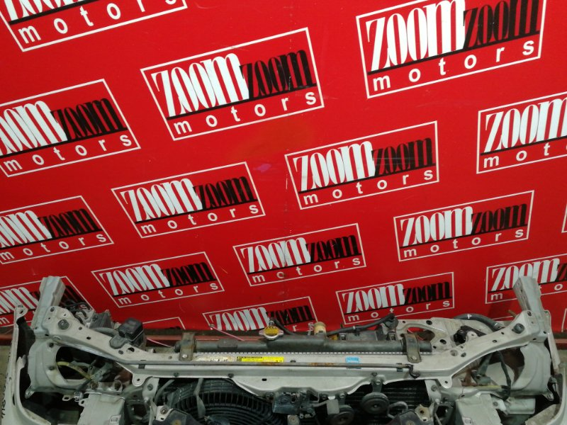 Рамка радиатора Toyota Sprinter AE110 5A-FE 1997 серебро