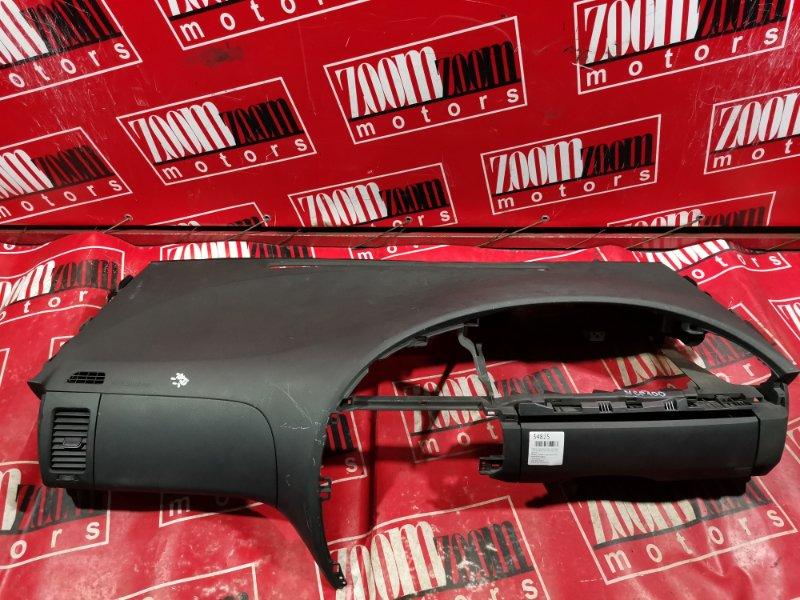 Панель передняя в салон (торпеда) Toyota Ractis NCP100 2005 передний черный