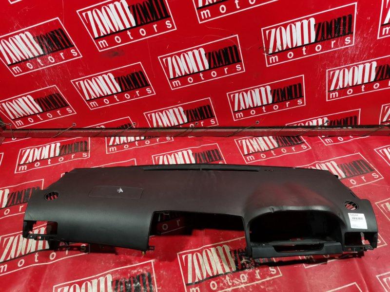 Панель передняя в салон (торпеда) Toyota Premio AZT240 2001 передний черный