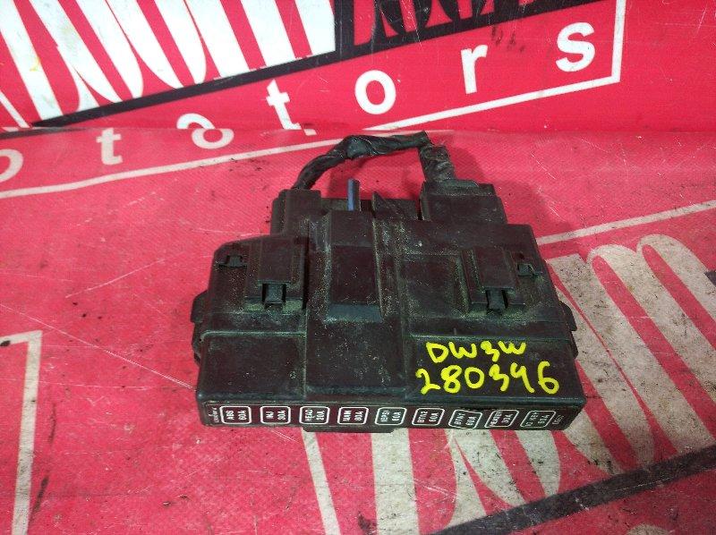 Блок реле и предохранителей Mazda Demio DW3W B3 1997