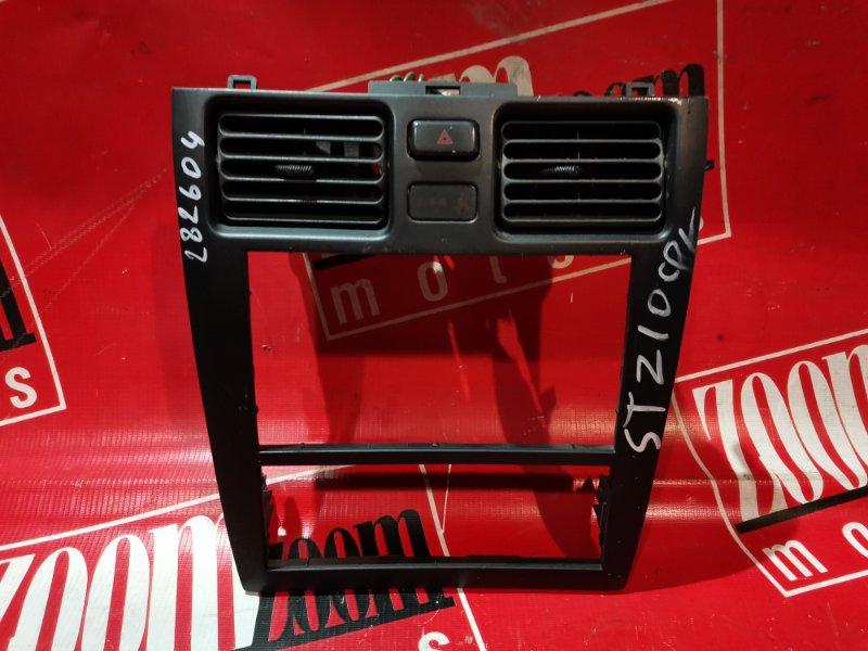 Рамка (консоль магнитофона) Toyota Caldina ST210 3S-FE 1992