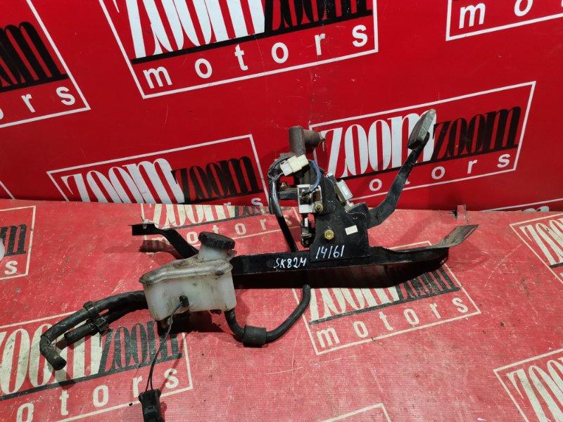 Главный цилиндр сцепления Mazda Bongo SK82M 2000