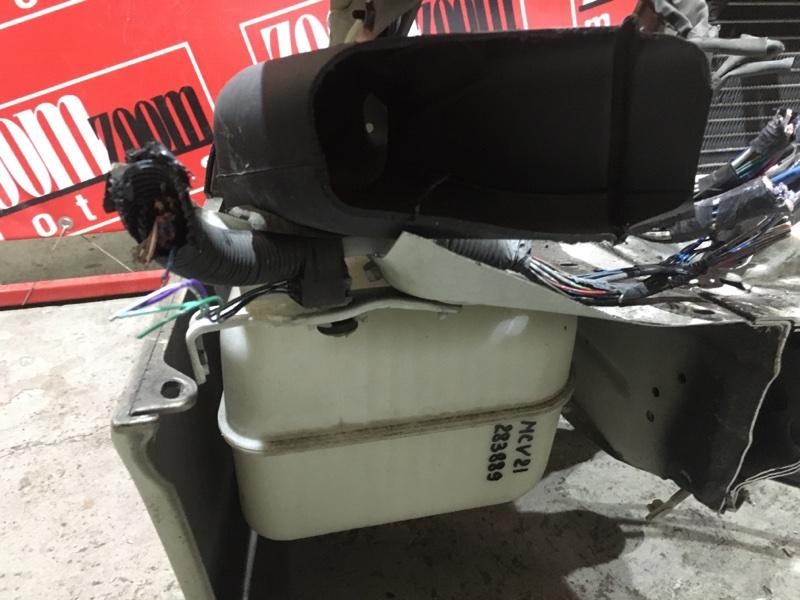 Резонатор воздушного фильтра Toyota Windom MCV21 2MZ-FE 1996 передний