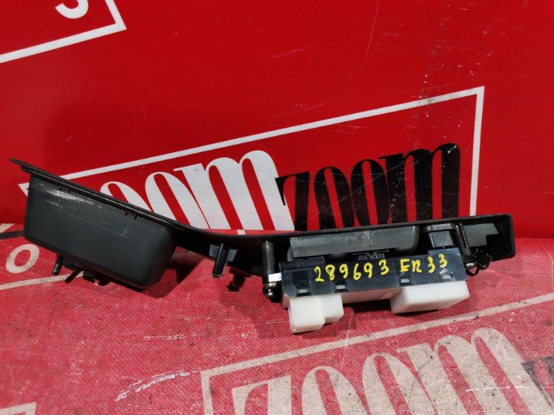 Блок управления стеклоподъемниками Nissan Skyline ER33 RB25DE 1993 передний правый