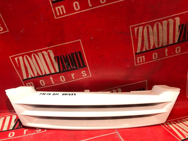 Решетка радиатора Nissan Pulsar FN15 GA15DE 1995 передняя белый