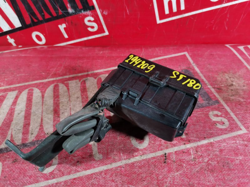 Блок реле и предохранителей Toyota Corona Exiv ST180 3S-FE 1989