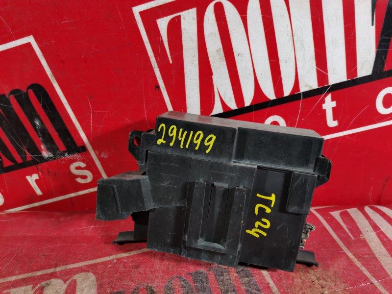 Блок реле и предохранителей Nissan Serena TC24 QR20DE 2000