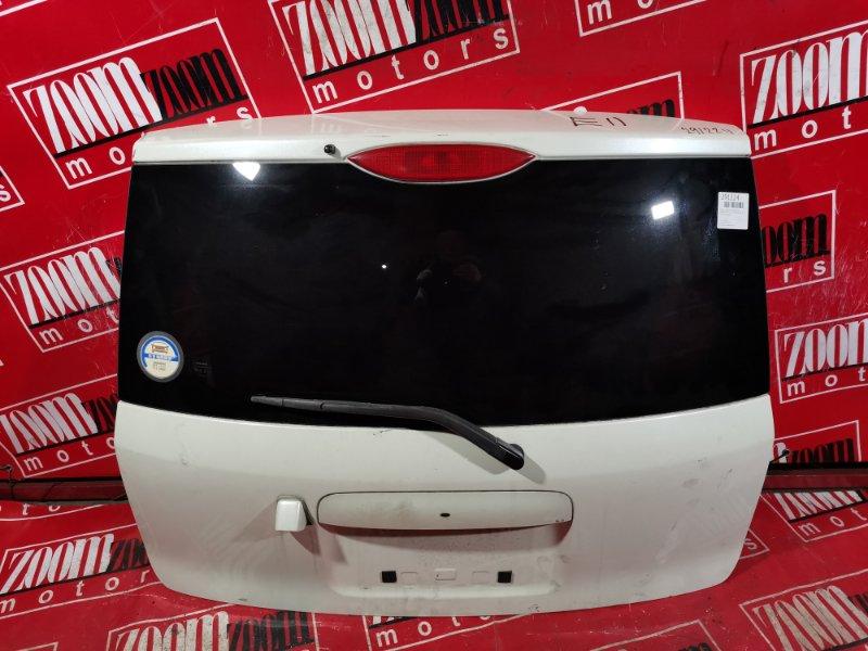 Дверь задняя багажника Nissan Note E11 HR15DE 2004 задняя белый перламутр