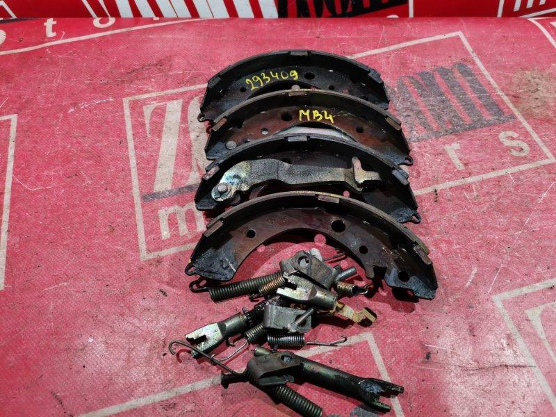 Колодки тормозные Honda Domani MB4 D15B 1996 задние