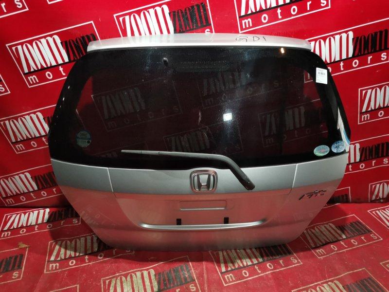 Дверь задняя багажника Honda Fit GD1 L13A 2004 задняя серебро