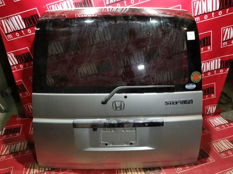 Дверь задняя багажника Honda Stepwgn RF3 K20A 2001 задняя серебро