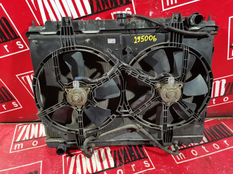 Радиатор двигателя Nissan Serena TC24 SR20DE 2000
