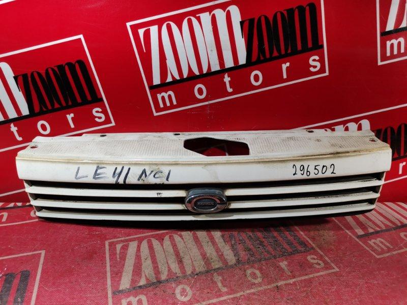 Решетка радиатора Toyota Corolla Ii EL41 4E-FE 1992 передняя белый