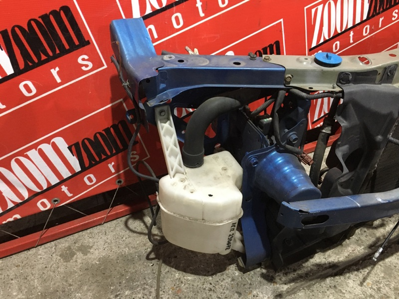 Бачок омывателя Nissan March AK12 CR12DE 2002 передний