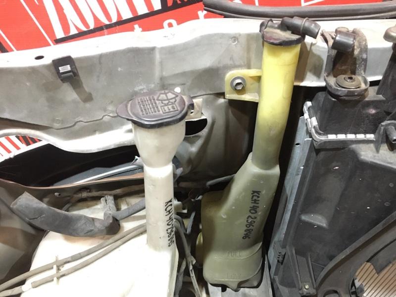 Бачок расширительный Toyota Regius KCH40 1KZ-TE 1999 передний