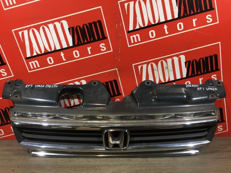 Решетка радиатора Honda Stepwgn RF3 K20A 2001 передняя серебро
