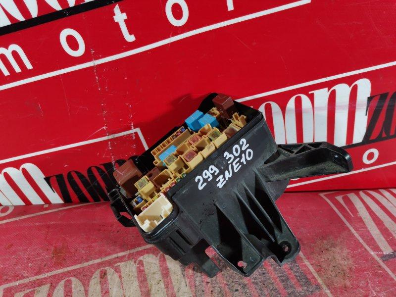 Блок реле и предохранителей Toyota Wish ZNE10 1ZZ-FE 2003 передний
