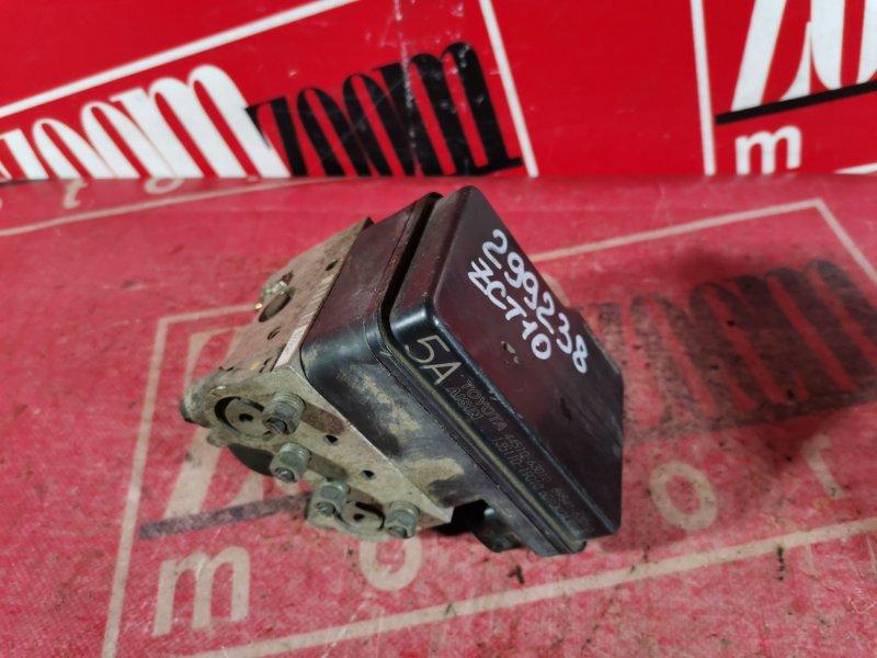 Блок abs (модулятор abs) Toyota Opa ZCT10 1ZZ-FE 2000 передний