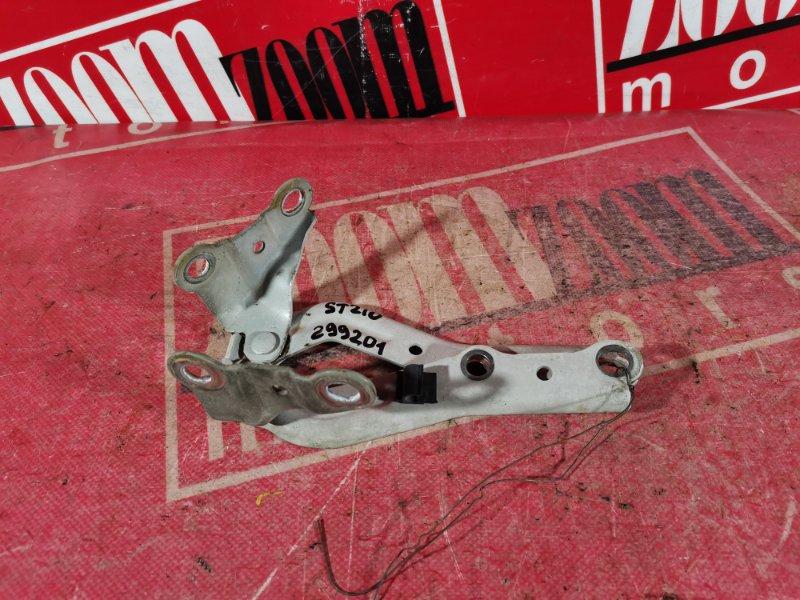 Кронштейн капота Toyota Corona Premio ST210 3S-FSE 1999 передний белый перламутр