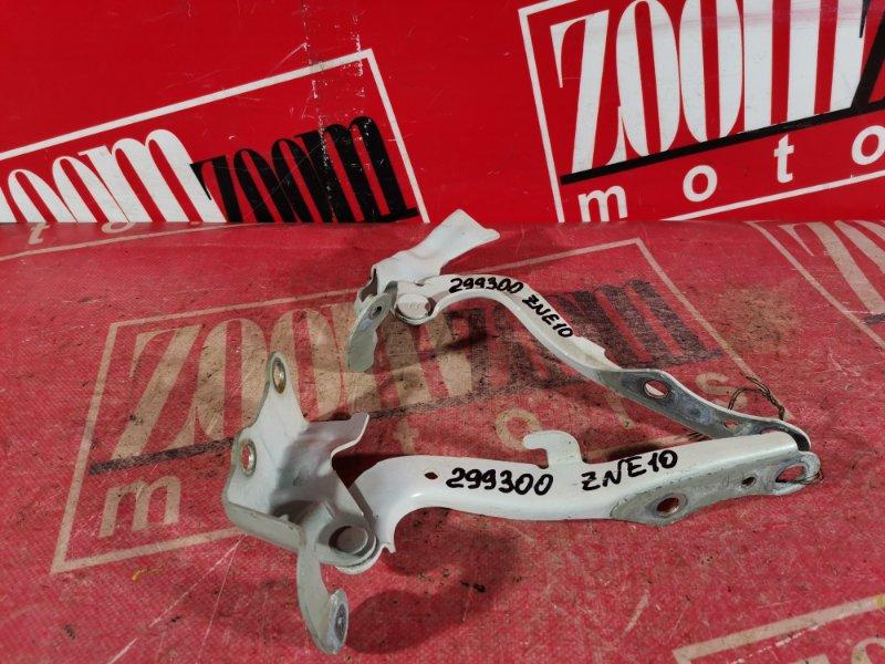 Кронштейн капота Toyota Wish ZNE10 1ZZ-FE 2003 передний белый перламутр
