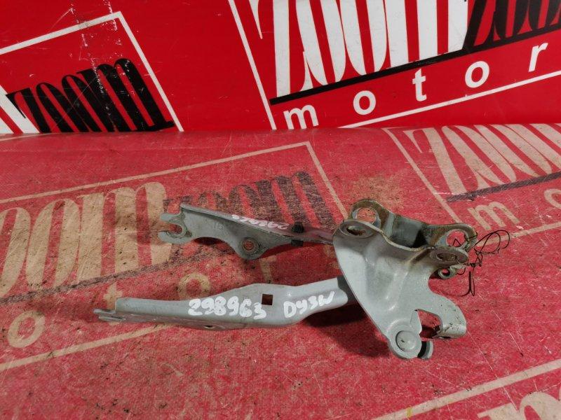 Кронштейн капота Mazda Demio DY3W ZJ-VE 2002 передний серебро