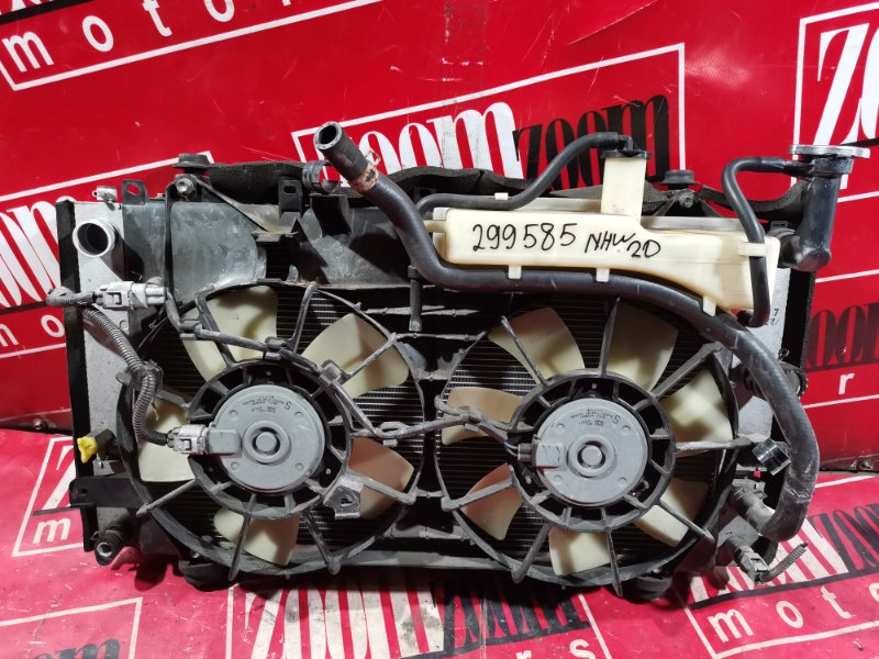 Радиатор двигателя Toyota Prius NHW20 1NZ-FXE 2003 передний