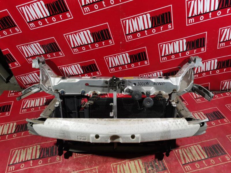 Рамка радиатора Toyota Ist NCP60 1NZ-FE 2002 передняя серебро