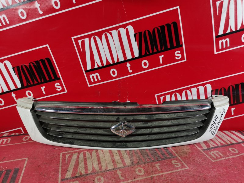Решетка радиатора Toyota Corona Premio ST210 3S-FE 2001 передняя белый перламутр