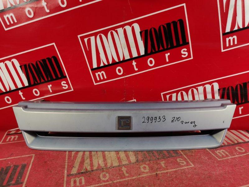 Решетка радиатора Nissan Cube AZ10 CGA3DE 2002 передняя голубой