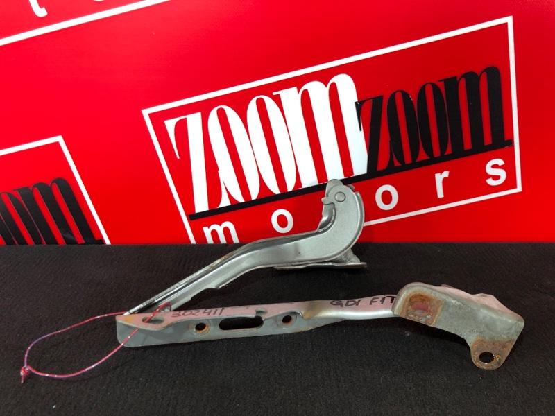 Кронштейн капота Honda Fit GD1 L13A 2001 серебро