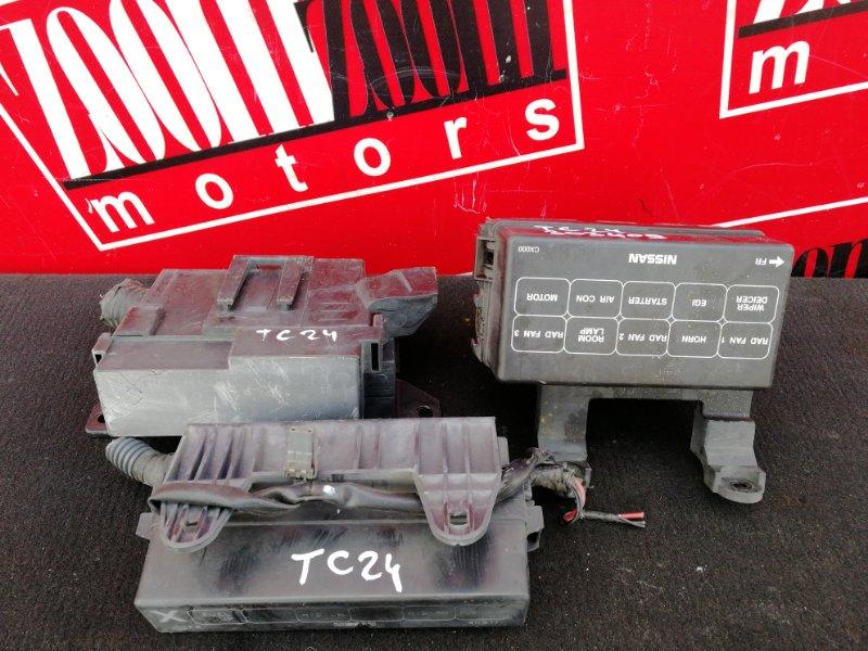 Блок реле и предохранителей Nissan Serena TC24 QR20DE 1999