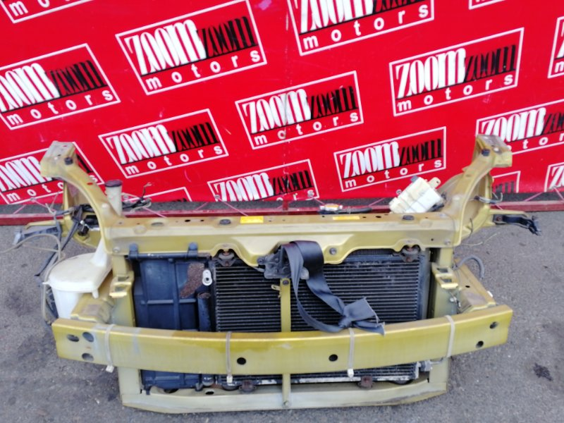 Рамка радиатора Toyota Vitz SCP10 1SZ-FE 1999 коричневый