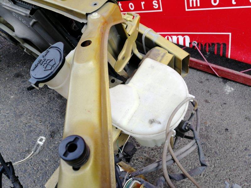 Бачок омывателя Toyota Vitz SCP10 1SZ-FE 1999