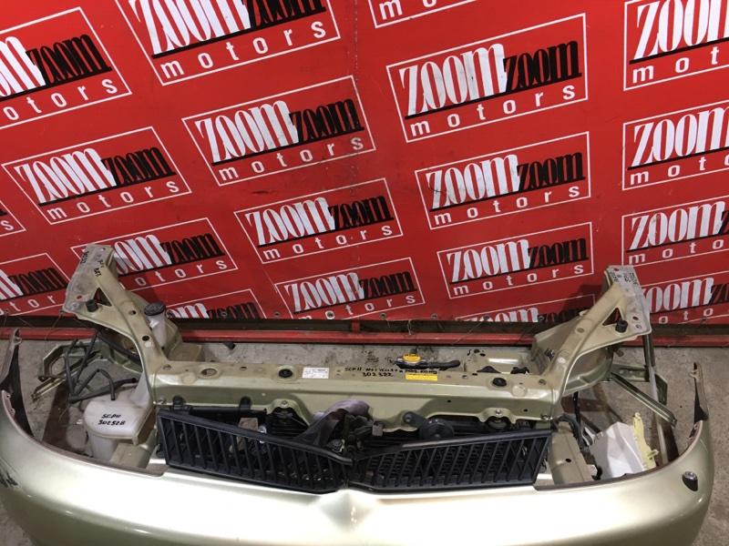 Рамка радиатора Toyot Platz SCP11 2SZ-FE 1999 передняя серый