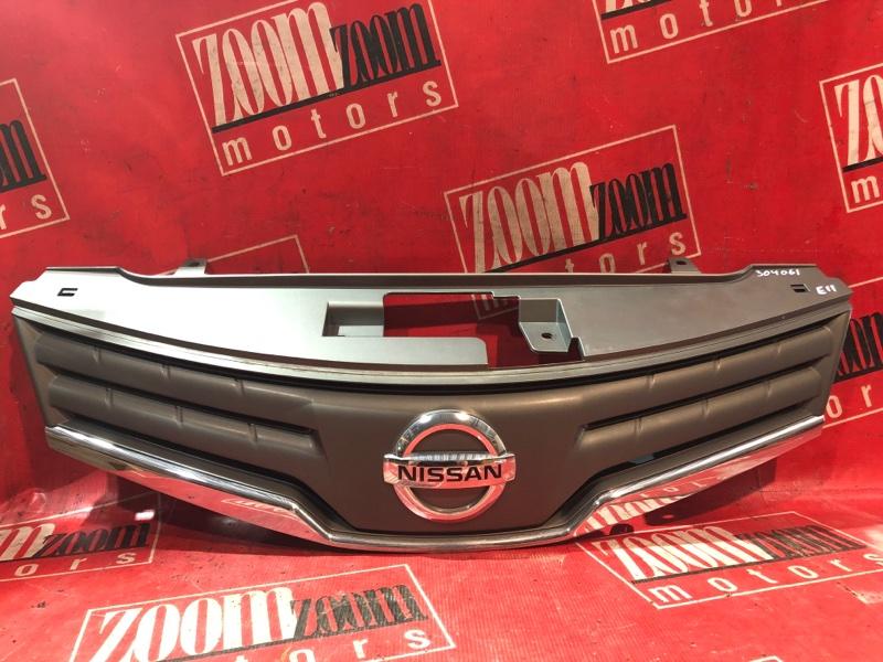 Решетка радиатора Nissan Note E11 HR15DE 2008 передняя серый