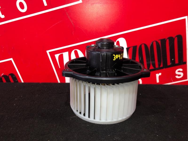 Вентилятор (мотор отопителя) Toyota Ist NCP60 2NZ-FE 2002