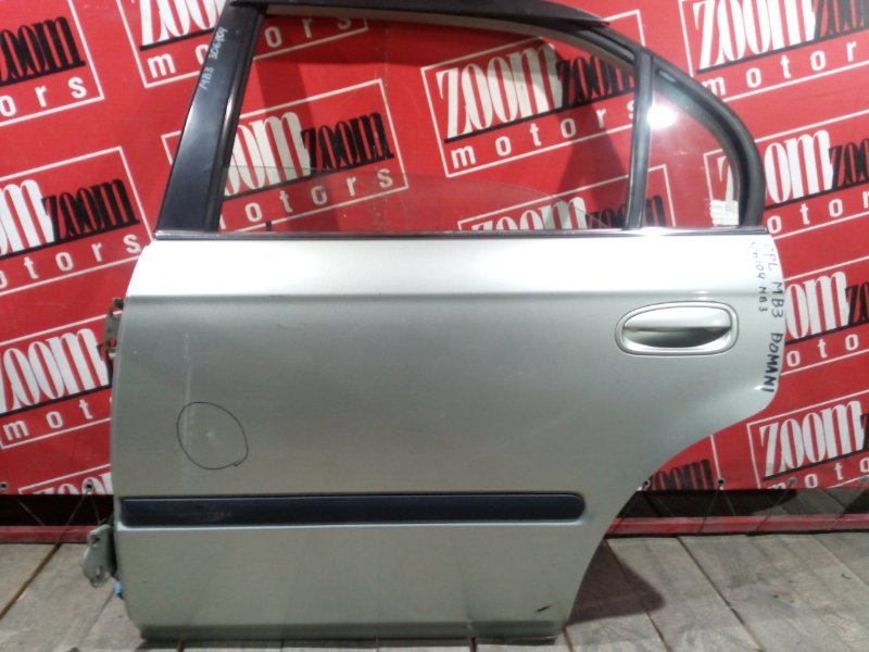 Дверь боковая Honda Domani MB3 D15B 1995 задняя левая серебро