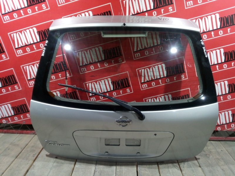 Дверь задняя багажника Nissan Tino V10 QG18DE 1998 задняя серебро