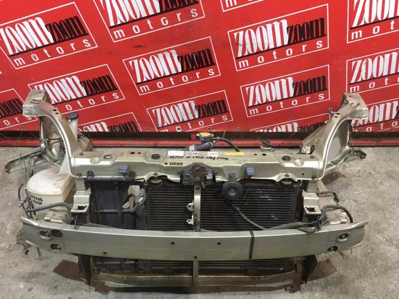 Рамка радиатора Toyota Funcargo NCP20 2NZ-FE 1999 передняя золото