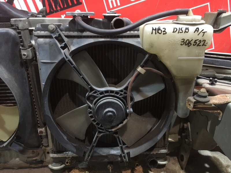 Радиатор двигателя Honda Domani MB3 D15B 1995 передний