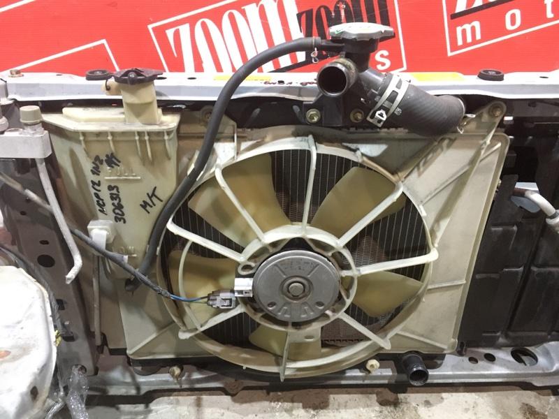 Радиатор двигателя Toyota Platz NCP12 1NZ-FE 1999 передний
