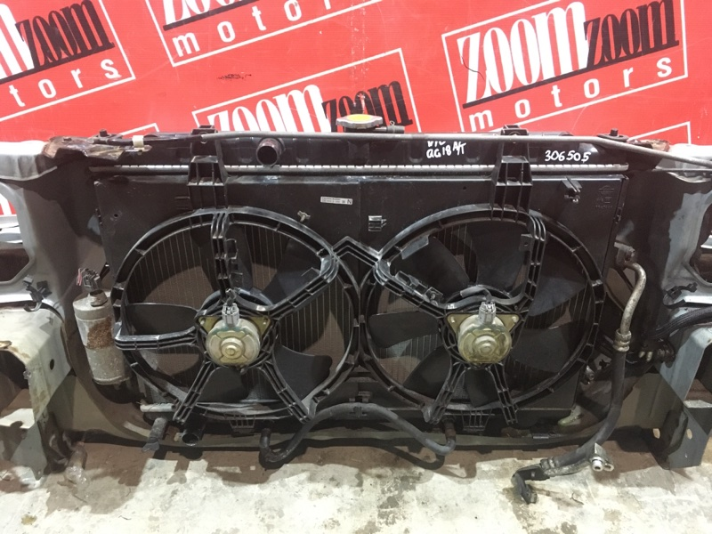 Радиатор двигателя Nissan Tino V10 QG18DE 1998 передний