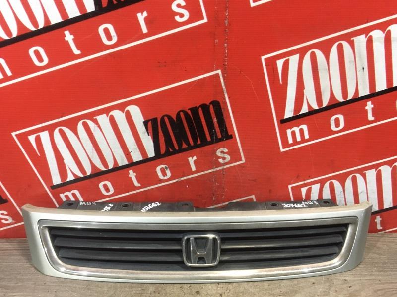 Решетка радиатора Honda Domani MB3 D15B 1995 передняя серебро